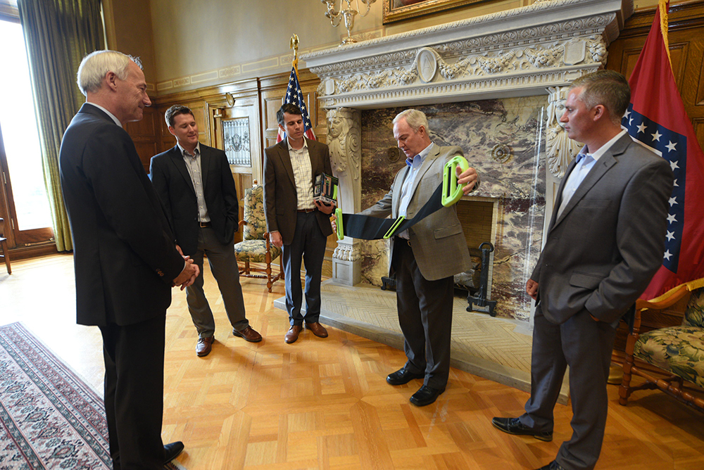 Governor meets with Inventors